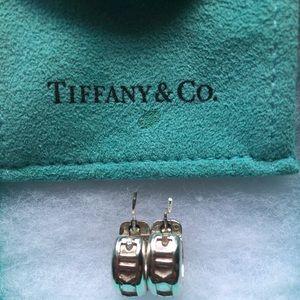 Tiffany &Co.2003 Atlas Roman Numeral Hoop Earrings